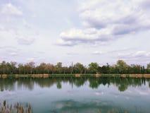 Ποταμός τραπεζών RhÃ'ne Στοκ Εικόνα
