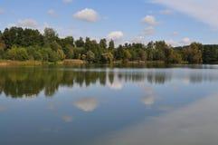 Ποταμός φθινοπώρου Στοκ εικόνα με δικαίωμα ελεύθερης χρήσης