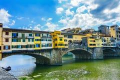 Ποταμός Φλωρεντία Τοσκάνη Ιταλία Arno αντανακλάσεων γεφυρών Vecchio Ponte στοκ φωτογραφία με δικαίωμα ελεύθερης χρήσης