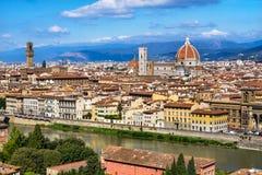 Ποταμός Φλωρεντία Τοσκάνη Ιταλία Arno εικονικής παράστασης πόλης Vecchio Palazzo στοκ εικόνες