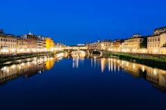 Ποταμός Φλωρεντία Ιταλία Arno Fiume τη νύχτα Στοκ Εικόνες