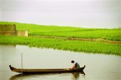 ποταμός ψαράδων βαρκών Στοκ εικόνες με δικαίωμα ελεύθερης χρήσης
