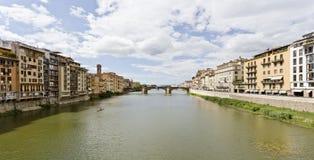 Ποταμός Arno και γέφυρα Santa Trinita Στοκ Εικόνα