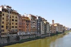 Ποταμός Arno και η αρχιτεκτονική της Φλωρεντίας, Ιταλία Στοκ φωτογραφίες με δικαίωμα ελεύθερης χρήσης