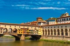 Ποταμός Arno και Ponte Vecchio, Φλωρεντία, Ιταλία Στοκ Εικόνες