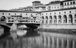 Ποταμός Arno και Ponte Vecchio (2), Φλωρεντία, Ιταλία Στοκ εικόνα με δικαίωμα ελεύθερης χρήσης
