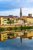 Ποταμός Arno, πύργος Sante Croce, Φλωρεντία, Ιταλία στοκ εικόνα με δικαίωμα ελεύθερης χρήσης