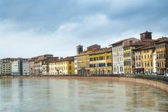 Ποταμός Arno στην Πίζα, Ιταλία στοκ φωτογραφία