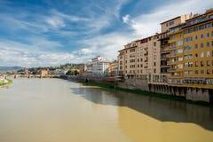 Ποταμός Arno στη Φλωρεντία, Ιταλία στοκ εικόνα με δικαίωμα ελεύθερης χρήσης