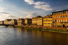 Ποταμός Arno στη Φλωρεντία, να εξισώσει Στοκ εικόνα με δικαίωμα ελεύθερης χρήσης