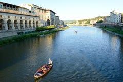Ποταμός Arno στη Φλωρεντία στην Ιταλία Στοκ Εικόνα
