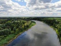 Ποταμός Desna με τη δασική εναέρια άποψη στοκ εικόνα με δικαίωμα ελεύθερης χρήσης