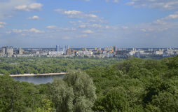 Ποταμός Dnipro στην πόλη του Κίεβου, Ουκρανία Στοκ φωτογραφία με δικαίωμα ελεύθερης χρήσης