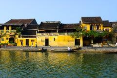 Ποταμός Hoai στην αρχαία πόλη Hoian στις 23 Ιανουαρίου 2015 σε Hoian, Βιετνάμ Στοκ Φωτογραφίες