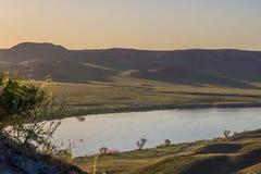 Ποταμός Ili, Καζακστάν Τοπίο στεπών την άνοιξη Στοκ Εικόνες