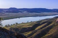 Ποταμός Ili, Καζακστάν Τοπίο στεπών την άνοιξη Στοκ Εικόνα