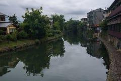 Ποταμός Katsura στην περιοχή Arashiyama του Κιότο Στοκ Φωτογραφία