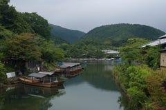 Ποταμός Katsura στην περιοχή Arashiyama του Κιότο Στοκ Εικόνα