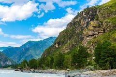 Ποταμός Katun, Ρωσία, Σιβηρία, βουνά Altai, Katun ri βουνών Στοκ Φωτογραφίες