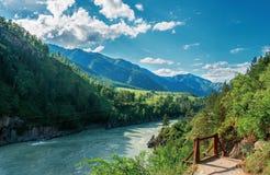 Ποταμός Katun, Chemal, Altay, Σιβηρία στοκ φωτογραφία με δικαίωμα ελεύθερης χρήσης