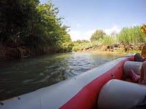 Ποταμός Kayaking στο βόρειο Ισραήλ Στοκ Φωτογραφία