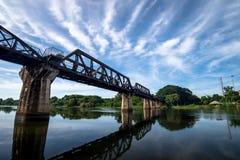 Ποταμός Kwai γεφυρών σε Kanchanaburi Στοκ Φωτογραφία