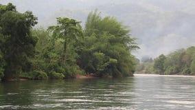 Ποταμός Kwai στη βορειοδυτική Ταϊλάνδη απόθεμα βίντεο