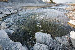Ποταμός Lech στην κενή λίμνη Forggensee Στοκ φωτογραφία με δικαίωμα ελεύθερης χρήσης