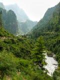 Ποταμός Marsyangdi κοντά στο χωριό Dharapani και Thoche - Νεπάλ Στοκ εικόνα με δικαίωμα ελεύθερης χρήσης