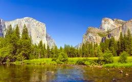 Ποταμός Merced στο εθνικό πάρκο Yosemite Στοκ εικόνες με δικαίωμα ελεύθερης χρήσης
