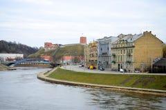 Ποταμός Neris και κάστρο Gediminas στη Λιθουανία Στοκ Εικόνα