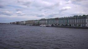 Ποταμός Neva σε Άγιο Πετρούπολη απόθεμα βίντεο