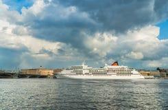 Ποταμός Neva Του ST - Πετρούπολη, Ρωσία Στοκ Εικόνα
