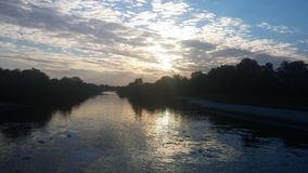 Ποταμός Odra: Ηλιοβασίλεμα Στοκ φωτογραφία με δικαίωμα ελεύθερης χρήσης