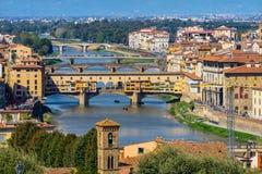Ποταμός Ponte Vecchio Φλωρεντία Ιταλία Arno γεφυρών στοκ εικόνες
