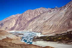 Ποταμός Shyok, κοιλάδα Nubra, Ladakh, Ινδία Στοκ εικόνα με δικαίωμα ελεύθερης χρήσης