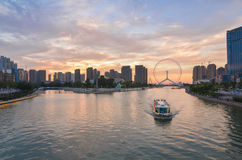 Ποταμός Tianjin haihe σε νεφελώδη στο σούρουπο Στοκ Εικόνες