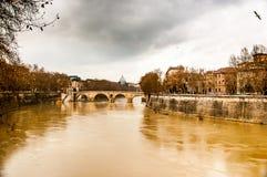 Ποταμός Tiber κατά τη διάρκεια της βροχής strom Στοκ Εικόνα