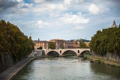 Ποταμός Tibra στη Ρώμη, Ιταλία Στοκ φωτογραφία με δικαίωμα ελεύθερης χρήσης
