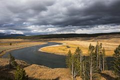 Ποταμός Yellowstone το φθινόπωρο στοκ εικόνες με δικαίωμα ελεύθερης χρήσης