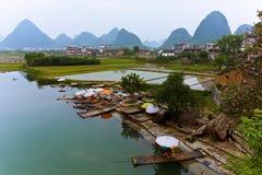 ποταμός yulong Στοκ φωτογραφία με δικαίωμα ελεύθερης χρήσης