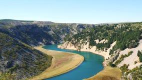 Ποταμός Zrmanja και φαράγγι Zrmanja απόθεμα βίντεο