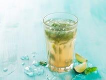 Ποτό ή λεμονάδα Mojito Στοκ εικόνα με δικαίωμα ελεύθερης χρήσης