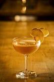 Ποτό κοκτέιλ της Apple Μαργαρίτα στο φραγμό Στοκ Εικόνες