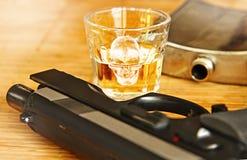 Ποτό οινοπνεύματος με το μπουκάλι χάλυβα Στοκ Εικόνα