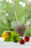 Ποτό σπόρων Chia με το νερό στο διαφανές γυαλί Στοκ εικόνα με δικαίωμα ελεύθερης χρήσης
