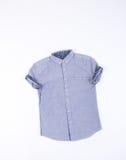 Πουκάμισο πουκάμισο ατόμων στο υπόβαθρο πουκάμισο ατόμων σε ένα υπόβαθρο Στοκ φωτογραφίες με δικαίωμα ελεύθερης χρήσης