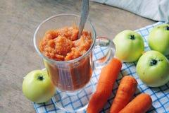 Πουρές με τη Apple και το καρότο Στοκ Εικόνες