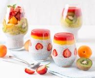 Πουτίγκα σπόρου Chia φραουλών αμυγδάλων Στοκ Εικόνα