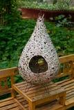 Πουλί φωλιών στον κήπο Στοκ φωτογραφία με δικαίωμα ελεύθερης χρήσης